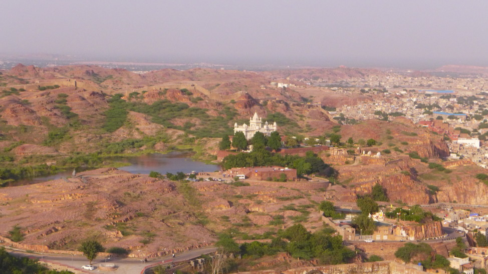 What to Do in Jodhpur; Backpacking India; Backpacking Rajasthan and Agra; D.I.Y. Rajasthan; D.I.Y. Jodhpur; Jaswant Thada